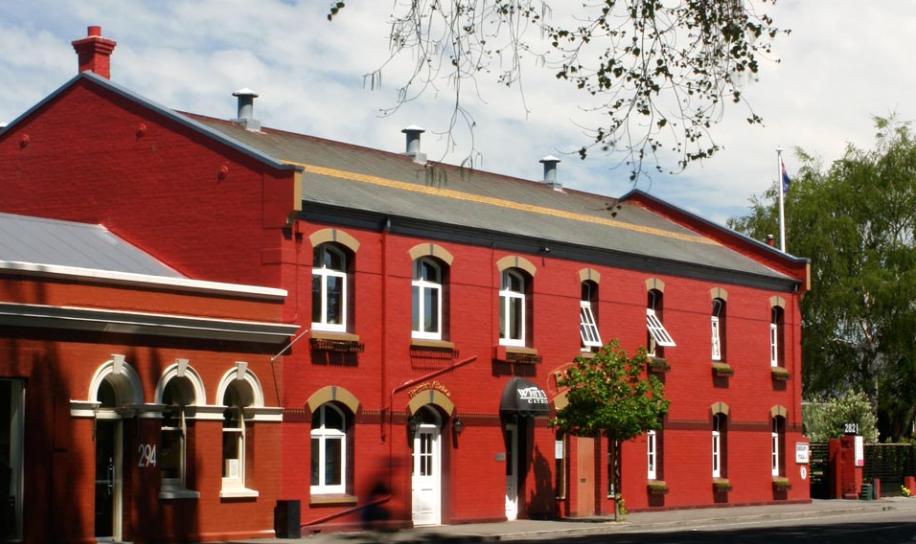 Le Pomerol's Pub à Christchurch