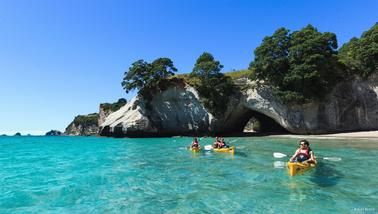 Kayak à Cathedral Cove