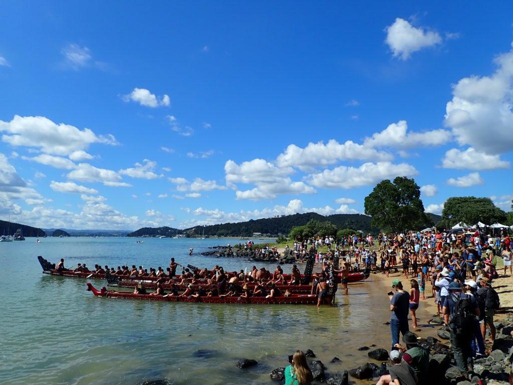 Mise en mer des Wakas le jour du Waitangi Day en Nouvelle-Zélande