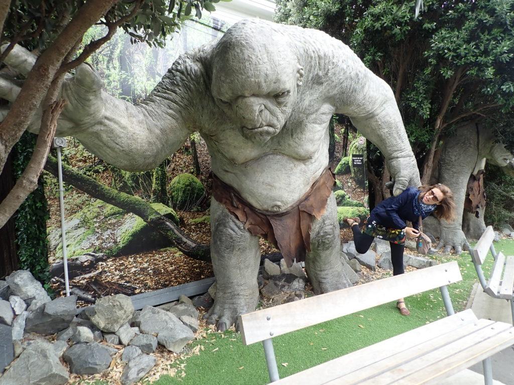 Le Troll du Seigneur des Anneaux et Clémentine à Weta Cave, Wellington.