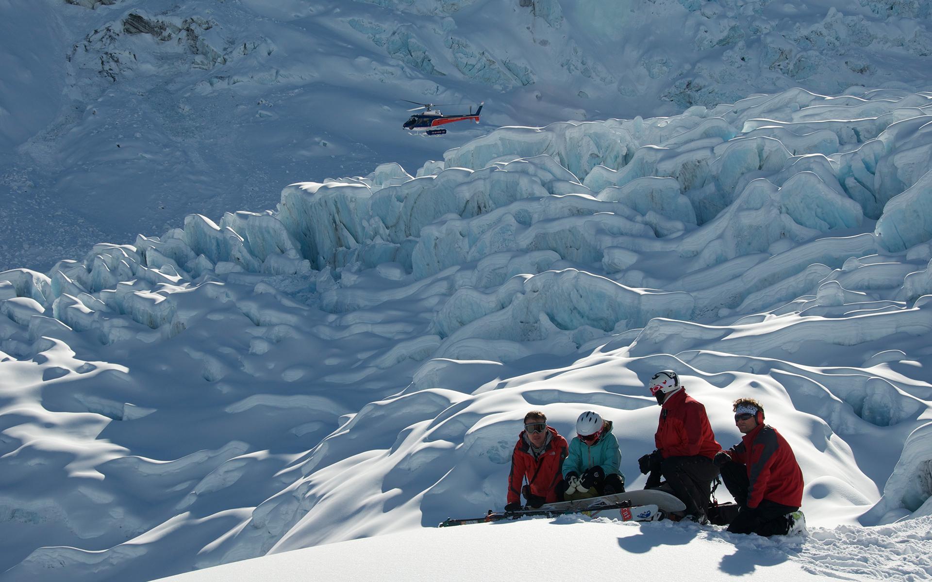 Ski sur le glacier Tasman en Nouvelle-Zélande